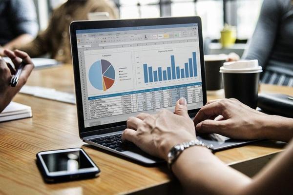 doanh nghiệp áp dụng kinh doanh online